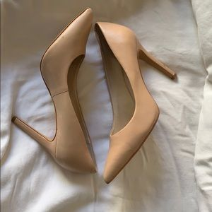 Vince camuto high heels size 7.5.